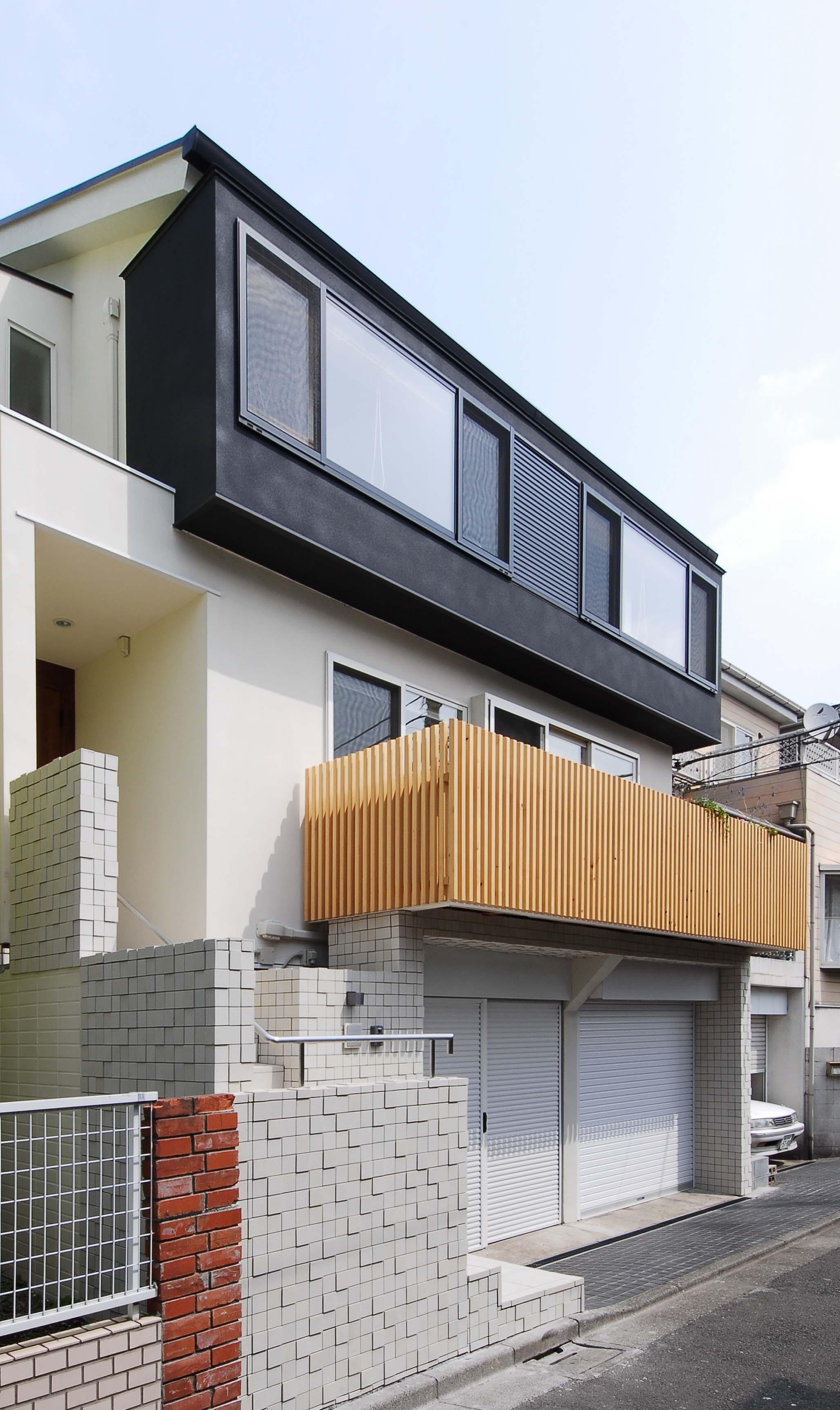 外観事例:リノベーション住宅外観デザイン(house-w 世田谷のリノベーション住宅)