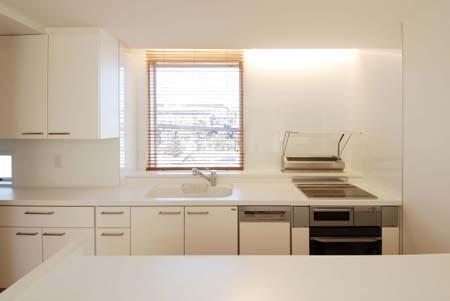 house-w 世田谷のリノベーション住宅 (間接照明のあるキッチン)