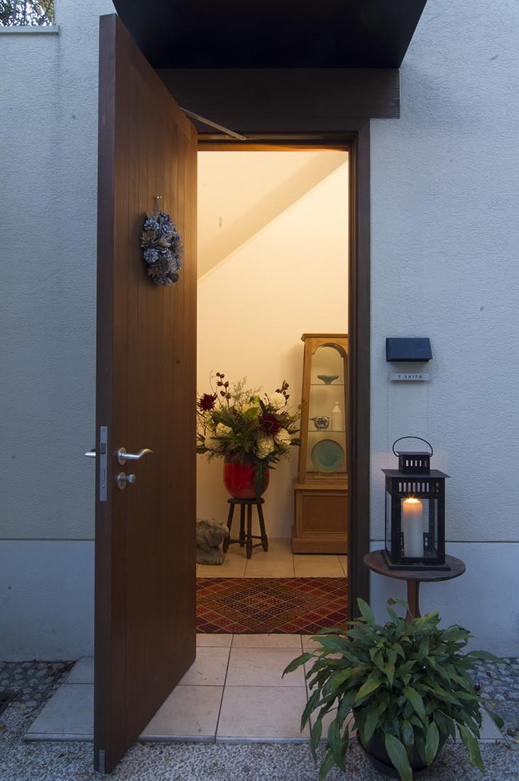 スタイルイズスティルリビング ショールーム〜外国人向け住宅のリノベーション〜 (玄関(外部))