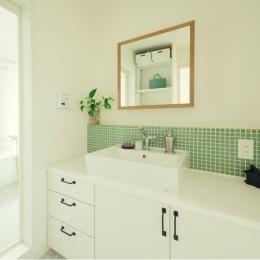リノベーション / herbal (洗面室とバスルーム)