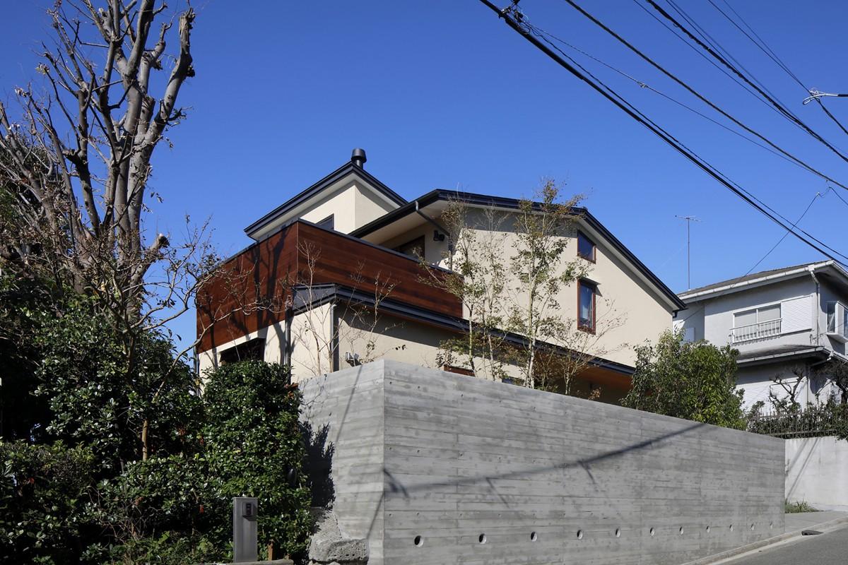 外観事例:外観(片瀬山の家〜相模湾を一望にするスキップフロアの家〜)