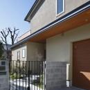 片瀬山の家〜相模湾を一望にするスキップフロアの家〜の写真 アプローチ