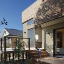 片瀬山の家〜相模湾を一望にするスキップフロアの家〜の写真 テラス