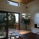 片瀬山の家〜相模湾を一望にするスキップフロアの家〜の写真 ダイニング
