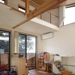 片瀬山の家〜相模湾を一望にするスキップフロアの家〜 (子供部屋)