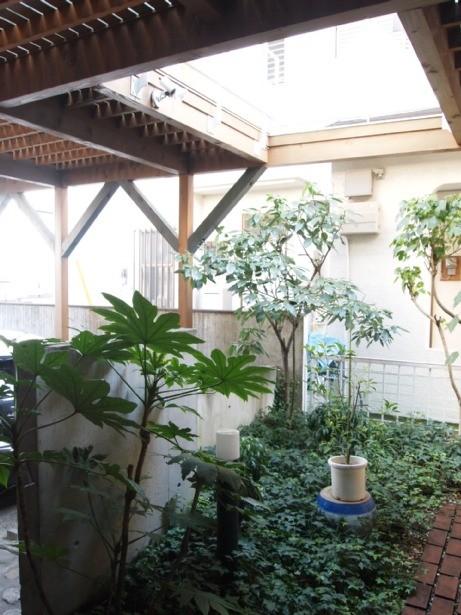 アウトドア事例:中庭(書斎とアトリエのある家|A HOUSE)