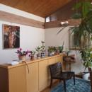 書斎とアトリエのある家|A HOUSEの写真 2階ホール