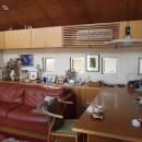 書斎とアトリエのある家|A HOUSEの写真 リビングダイニング