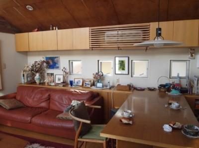 書斎とアトリエのある家 A HOUSE (リビングダイニング)