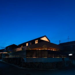 Aobadai no ie -庇のある家- (夜景 外観)