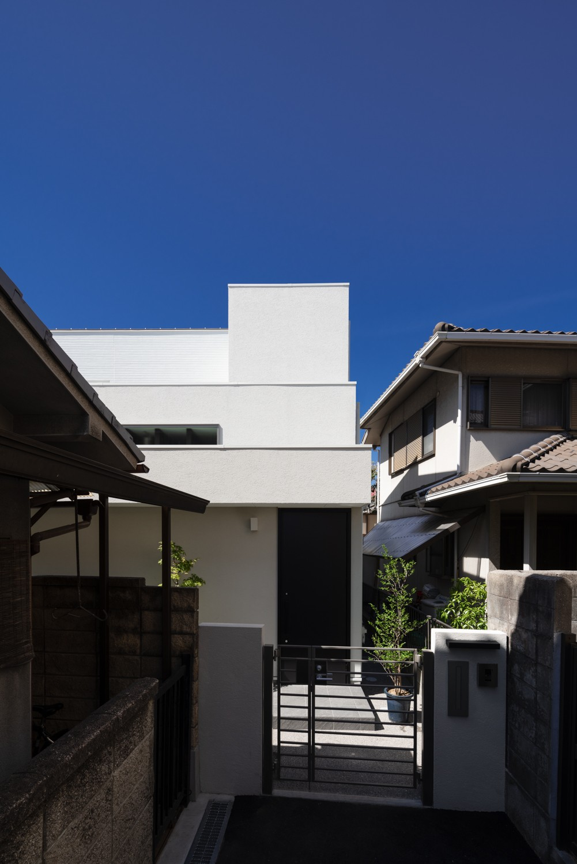 外観事例:外観(Toyonaka no ie -旗竿敷地に建つ家-)