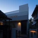 Toyonaka no ie -旗竿敷地に建つ家-の写真 夜景 外観