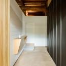 Omoya -入母屋造の民家の改修-の写真 玄関