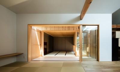 Hanare -立体的な屋根形状の家- (和室)