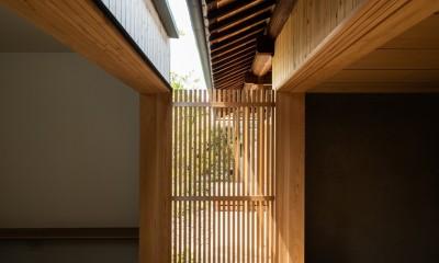 Hanare -立体的な屋根形状の家- (縁側)