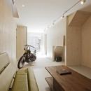 Imaike no ie -狭小地に建つ家-の写真 玄関土間