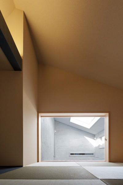 和室 (Imaike no ie -狭小地に建つ家-)