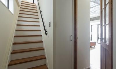 制限を活かして (戸建の階段部分)