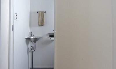 制限を活かして (トイレ手洗い)