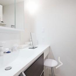 35cmが生む洗面脱衣室の快適性~寒冷地の洗濯物事情~ (洗面室)