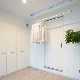 35cmが生む洗面脱衣室の快適性~寒冷地の洗濯物事情~ (洗濯機スペース)