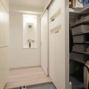 35cmが生む洗面脱衣室の快適性~寒冷地の洗濯物事情~の写真 玄関
