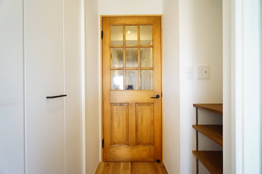 ライフスタイルを暮らしに (無垢ドア)