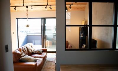 趣味と、アメリカンファニチャーから始まる家づくり。 (リビング/ダイニング/マルチスペース(小上がり))