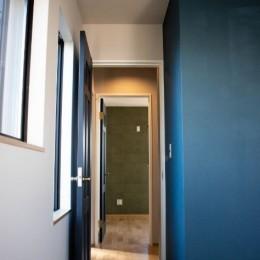 趣味と、アメリカンファニチャーから始まる家づくり。 (廊下)
