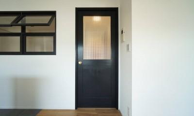 好きな素材と好きな色 (無垢ドア)