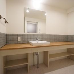 comfortable house (造作洗面化粧台)