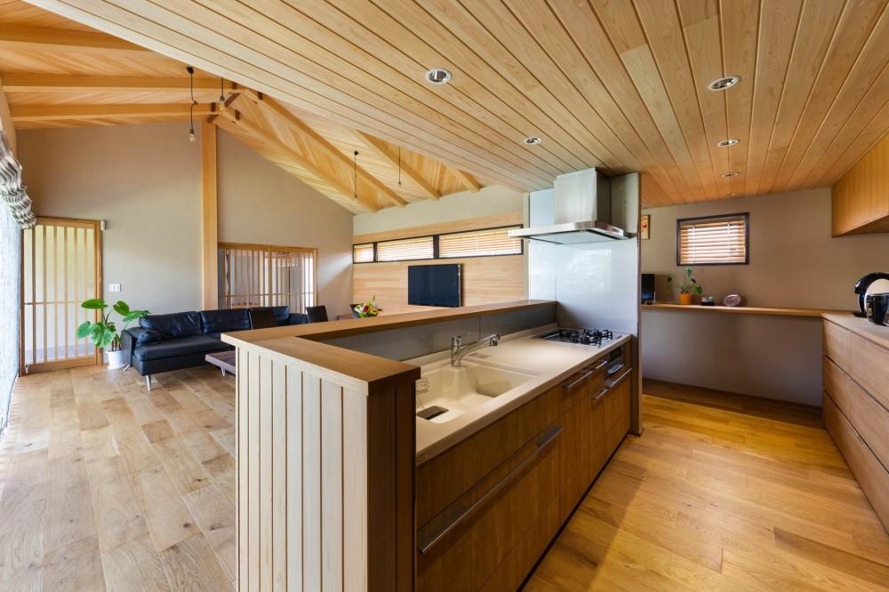 キッチン (登り梁の家)