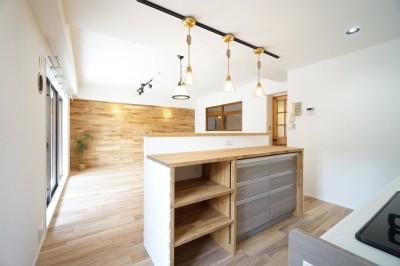 キッチン2 (可愛らしさと高級感)