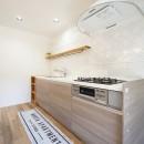 可愛らしさと高級感の写真 キッチン3