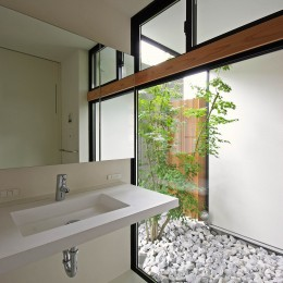 石巻の家-ishimaki (洗面脱衣室)