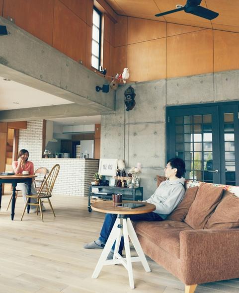 リノベーション / skraの部屋 傾斜天井のある開放的なリビングダイニング