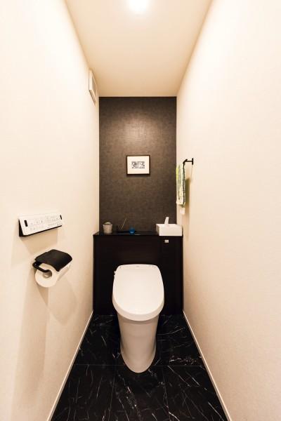 すっきりとしたトイレ空間 (岐阜市 M様邸 | urbane)