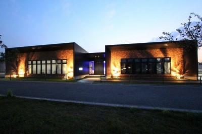 夜  景 (OFFICE BUILDING)