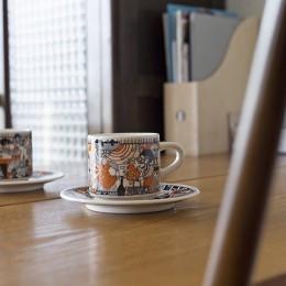 兵庫県Kさん邸:味のある自然素材の空間を見渡して心地よく (インテリア)