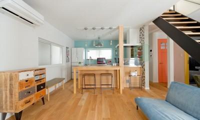 大阪府Mさん邸:広い玄関土間やオープンなキッチンで明るく (LDK)