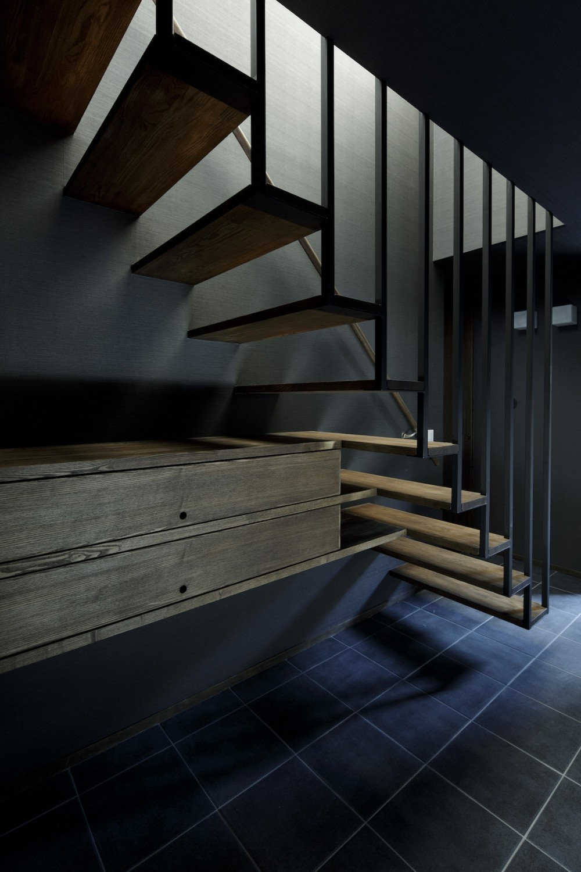 戸塚の家 (オープン型階段)