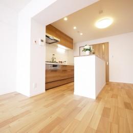収納&間仕切りの造作キッチンカウンター