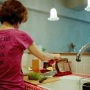 赤いモザイクタイルキッチン