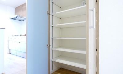 廊下収納|収納&間仕切りの造作キッチンカウンター