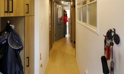 T邸-新しくするだけではない、リノベーションで暮らしやすさを実現 (玄関)