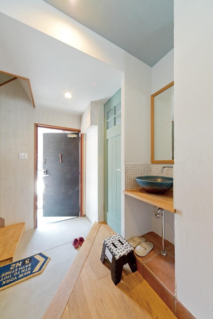大阪府Kさん邸:水回りを移動し、スキップフロアの広々LDKに (広々土間スペース)