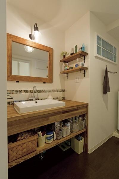 造作洗面台 (大阪府Kさん邸:日当たりと眺望を楽しめる広々したLDK)