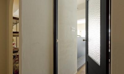 大阪府Kさん邸:日当たりと眺望を楽しめる広々したLDK (建具)