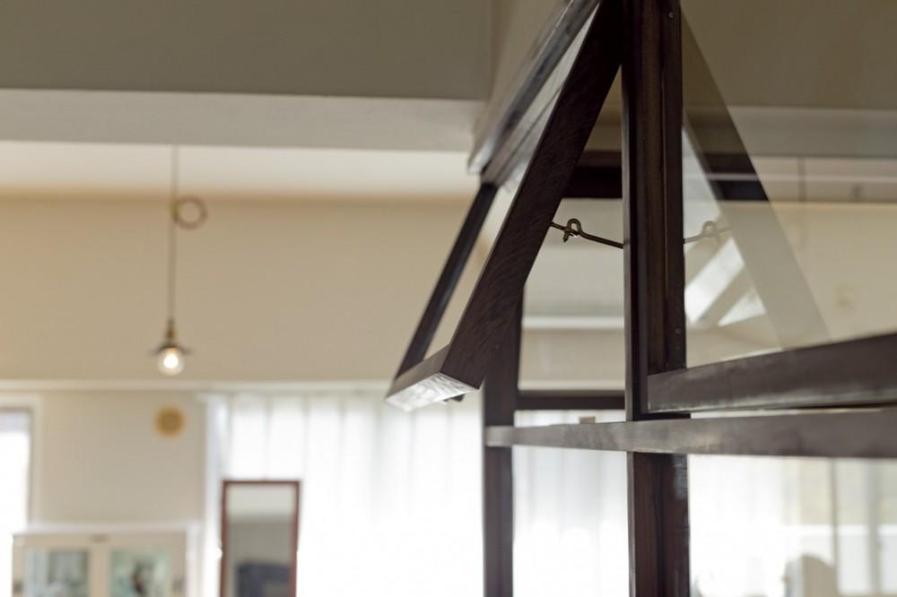 大阪府Kさん邸:日当たりと眺望を楽しめる広々したLDK (明かり窓)