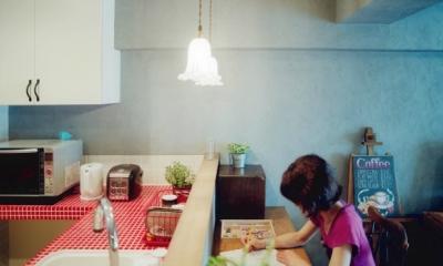 キッチンとカウンタースペース リノベーション / lattice